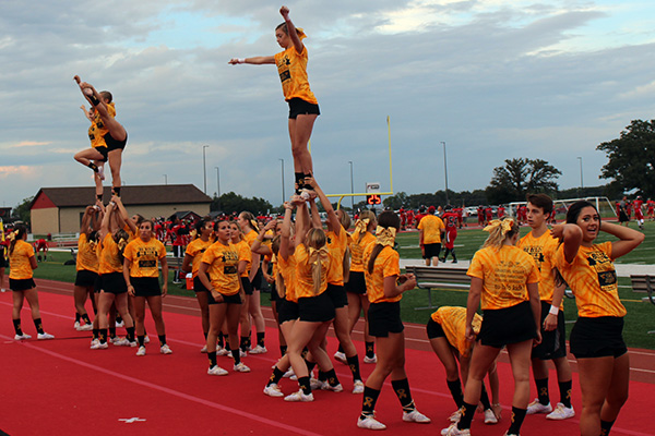 HHS Gold Out Cheerleaders